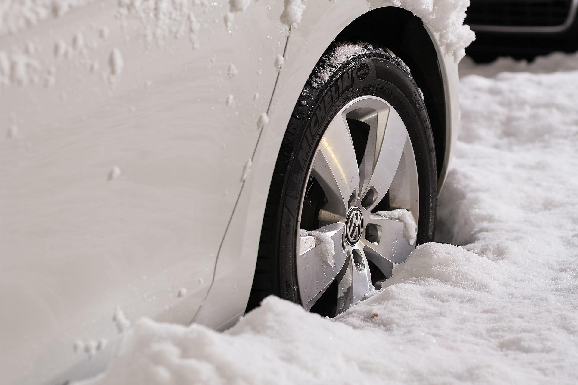 wheels-1813465_1920
